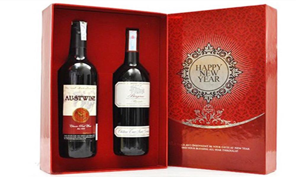 Mỗi hộp đựng rượu phải được thiết kế phù hợp phong cách, sự quý phái mà thương hiệu mang lại